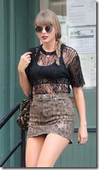Taylor-Swift-300722 (4)