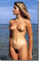 nudistbeach-310409 (4)