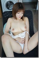 nude-300925 (2)