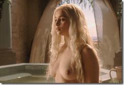 Emilia Clarke-310415 (1)
