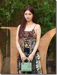 Suzy-011002 (2)