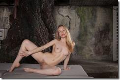 nude-011126 (3)
