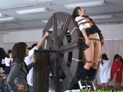 パンスト 女教師 拷問 エロい ノーブラ ノーパン 教師 縛り 責め 車