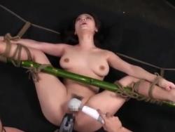 美少女 拘束 イキ 責め 鶴田かな ドリル 狂う(2)