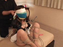 ロープで全身緊縛された美人お姉さんが敏感なクリを攻められてガクガク絶頂 - Pornhub.com