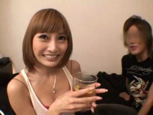ホストの家に自宅訪問して野球拳してセックスするAV女優 明日花キララ