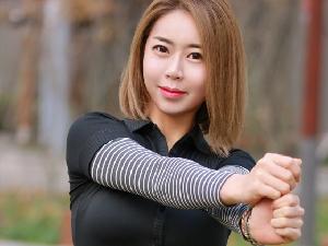 韓流女子プロゴルファーのプライベートレッスンで敏感マンコにホールインワン!!