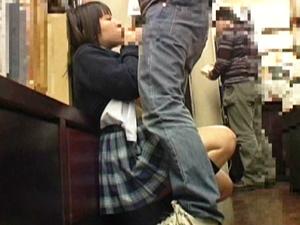 本屋でレディコミを立ち読みしてる娘にチカンしたらマンコはグショグショ。積極的にキスしてフェラしてきたので本棚の影でSEXしちゃいました。
