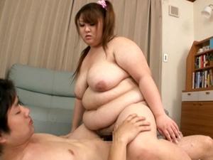 大塚りん 肉感タップリ超乳巨漢女の肉揺れ乳揺れSEXが超気持ち良すぎて大量中出し!