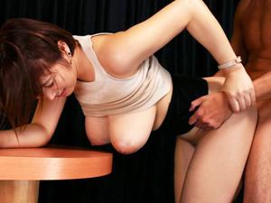 松本菜奈実 Jカップ110cmのおっぱいが常に透けてるノーブラ着衣で誘惑