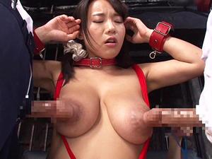 澁谷果歩 Kカップ爆乳女教師が改造巨大乳首でダブルニプルファック!